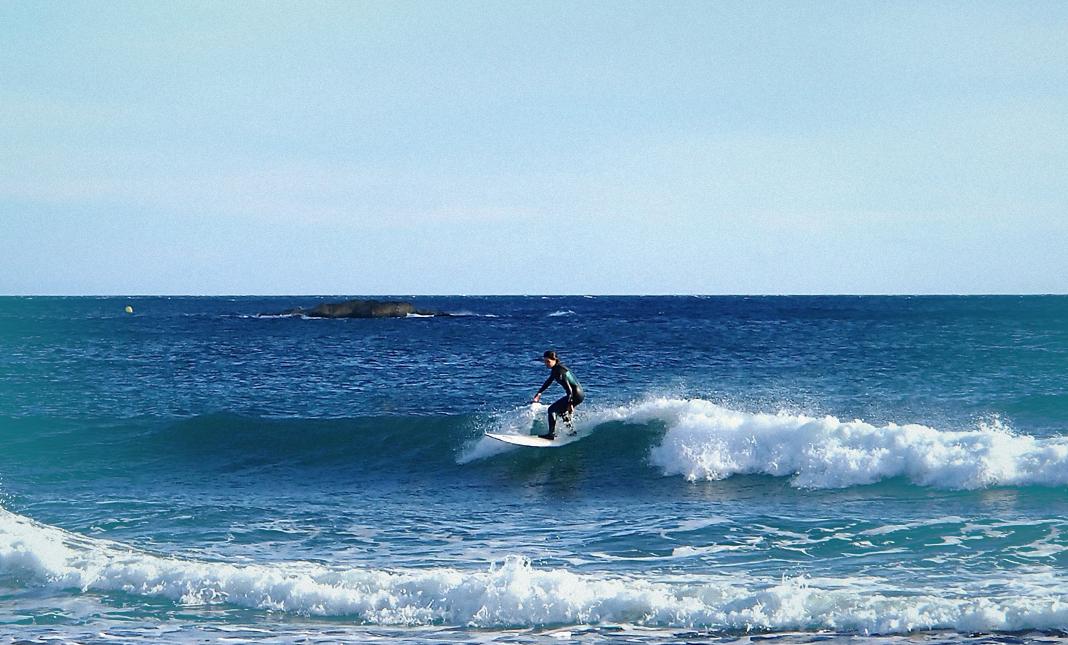 Surf, surfeuse, vague, mer, anniversaire