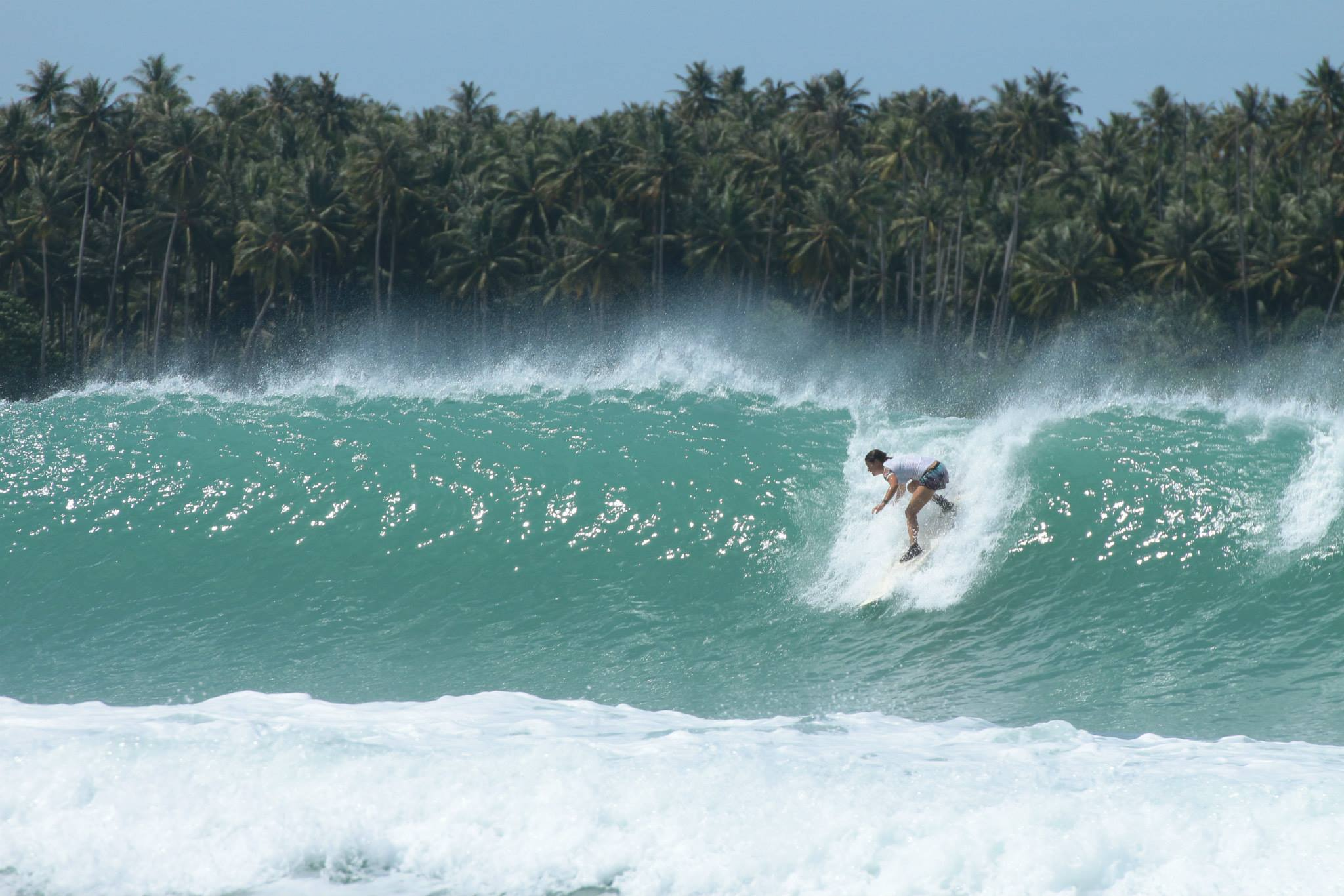 Late take off, Tube nias, Indonésie, surfeuse, surf fille blog