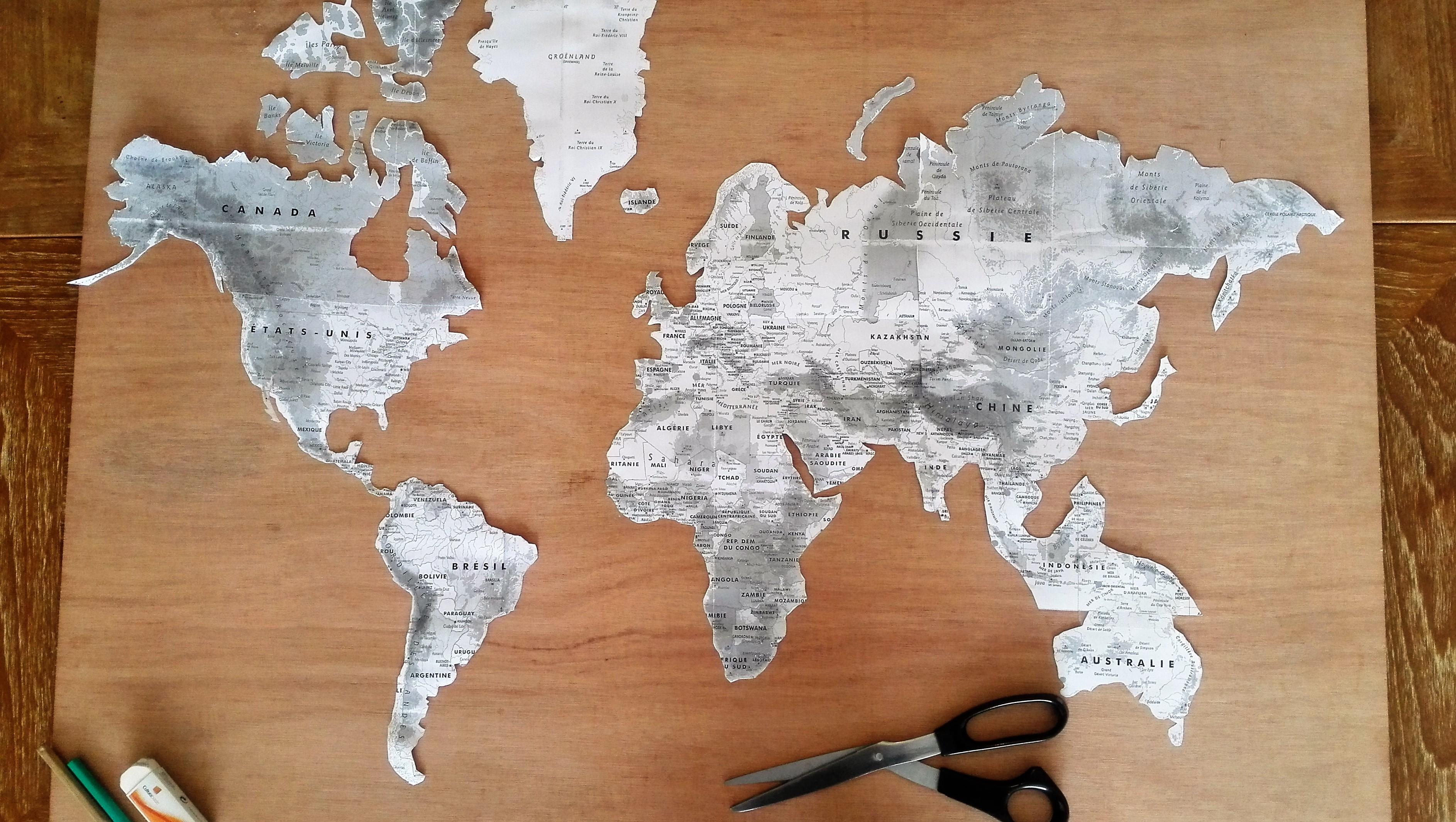 mappe monde personnalisée création surfeuse