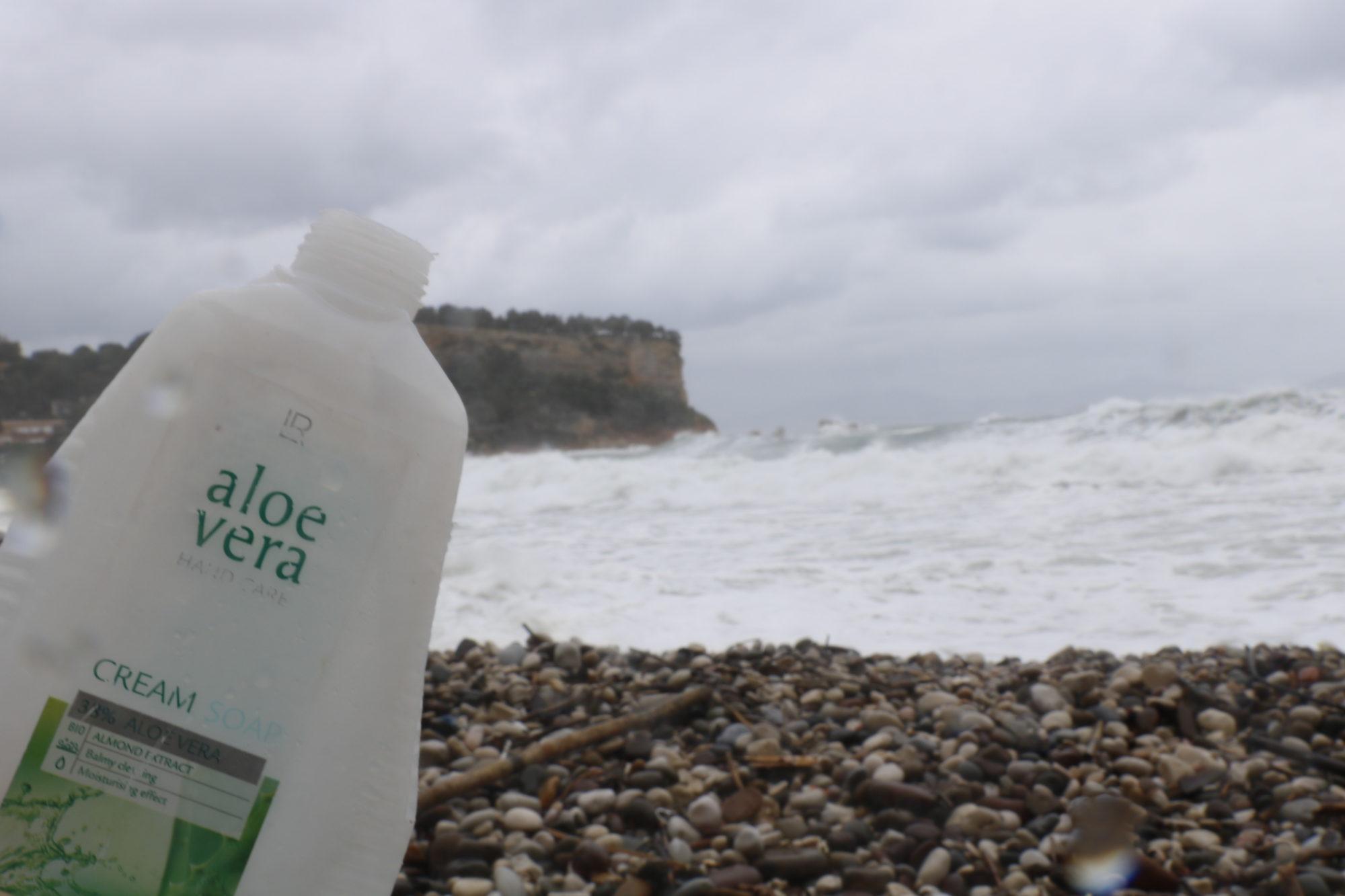 déchets, nettoyage des plages, spot, tempête, surf, aloe vera, surfeuse.fr, côte bleue, poubelle