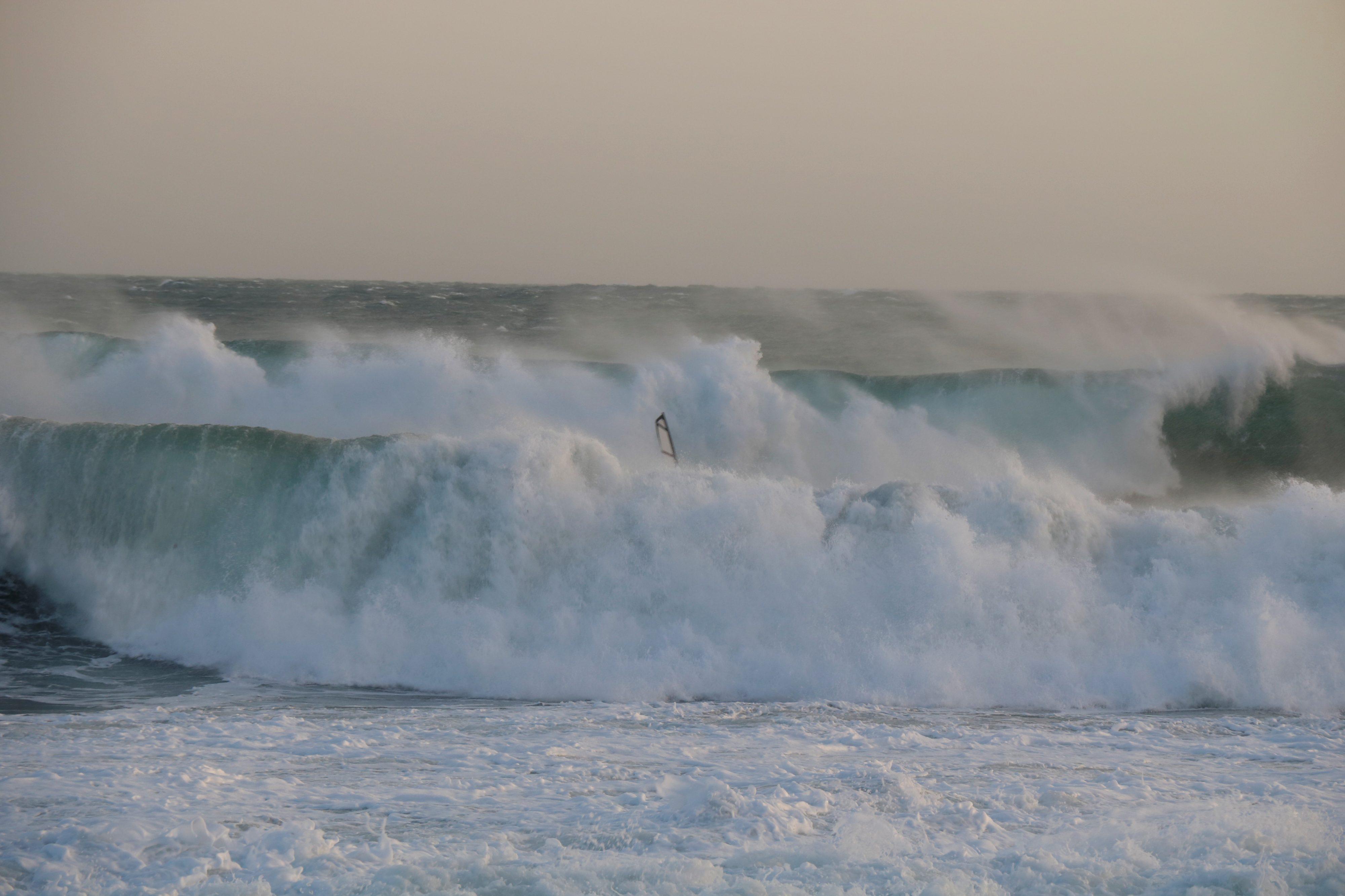 taille de mât surf cote bleue lundi 6 mars