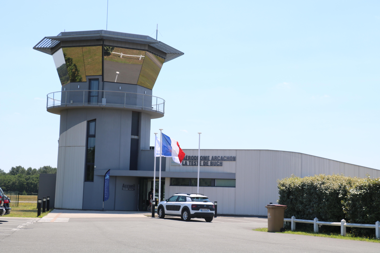 aérodrome arcachon la teste de buch tour de contrôle