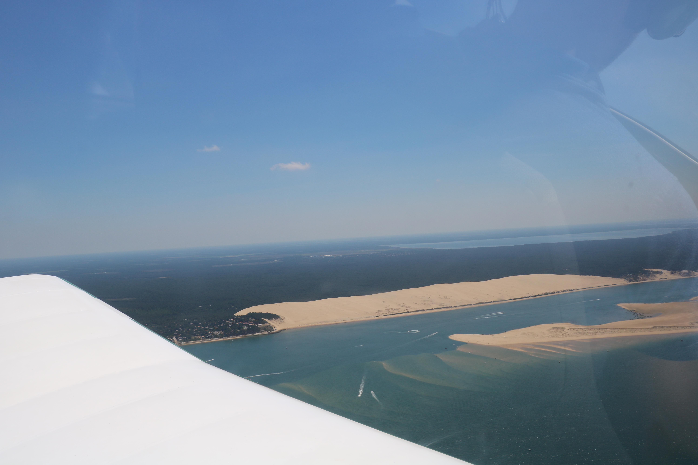dune du pyla et bassin d'arguin vu du ciel