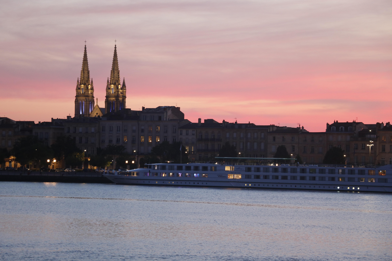 immersion magazine soirée de lancement; coucher de soleil sur Bordeaux