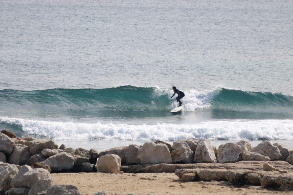 surfeuse longboard méditerranée glassis