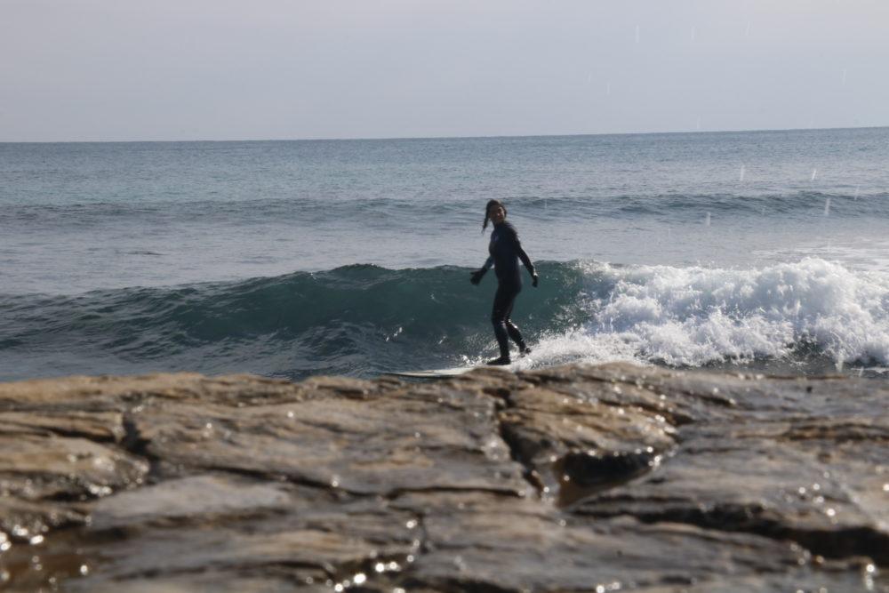 surfeuse méditerranée reprise du surf après accouchement