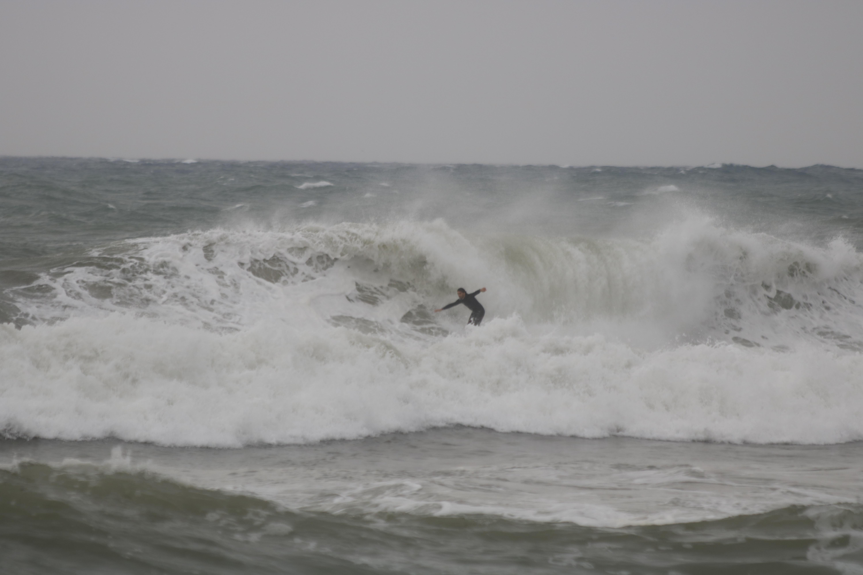 surfeur cote bleue tube