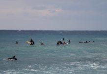 guerre du surf spots de surf surchargés; localisme