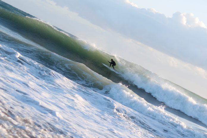 surfeur casquette méditerranée